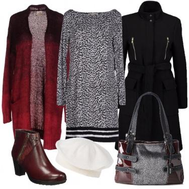 Outfit Bianco nero e borgogna