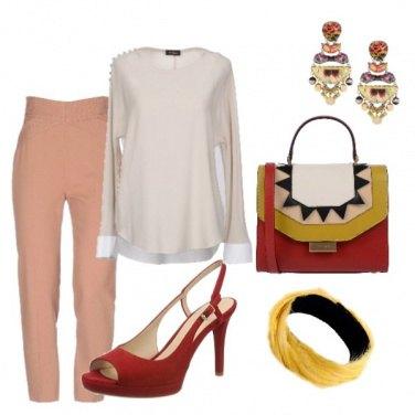 Outfit Cipria, rosso e geometria