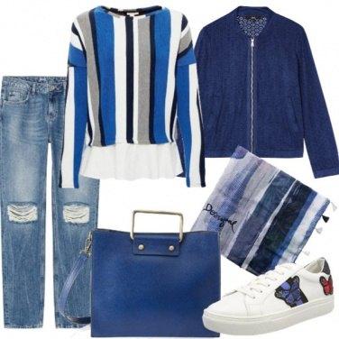 Outfit Strappi, righe e farfalle in blu