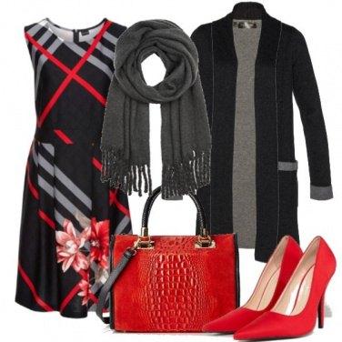 Outfit Nero, righe e fiori
