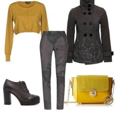 Outfit Raggi tra il grigio