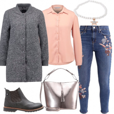 Outfit Boots e ricami