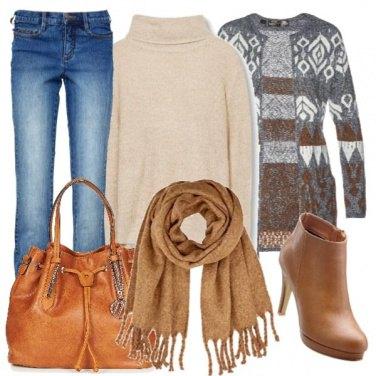 Outfit Cardigan marrone e grigio