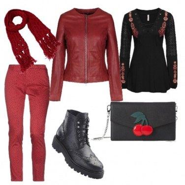 Outfit Sciarpetta rossa e ciliegie