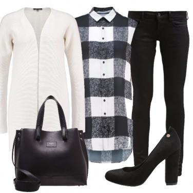 Outfit A quadri bianchi e neri