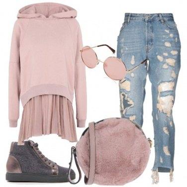 Outfit La felpa con il tulle