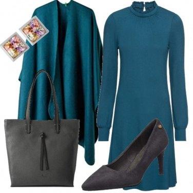 Outfit Un giorno blu cobalto