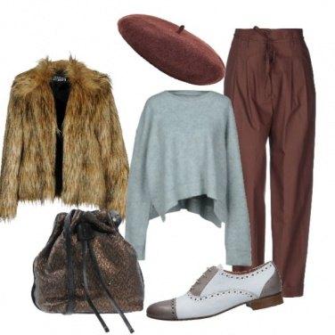 Outfit Basco e pelliccia ecologica