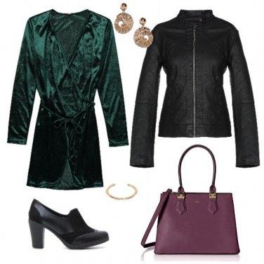 Outfit Serata in verde e viola