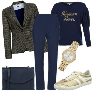 Outfit Tailleur e sneakers