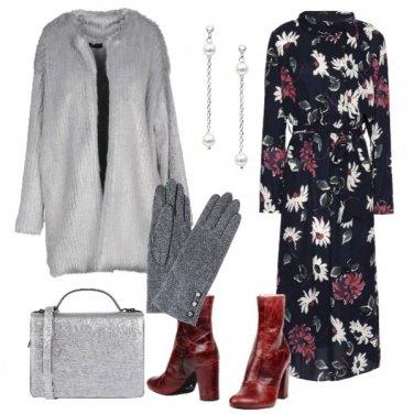 Outfit Vestito floreale pelliccia ecologica