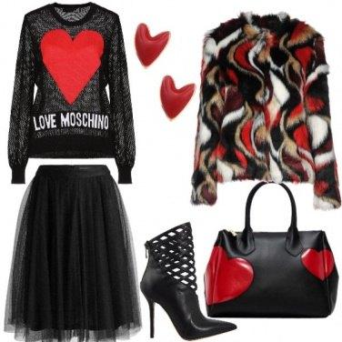 Outfit Nero scaldato dal cuore rosso