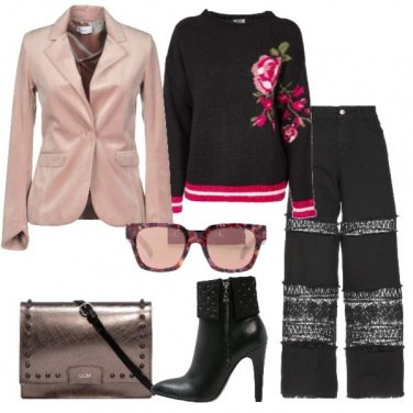 Outfit Giacca rosa in velluto jeans con pizzo