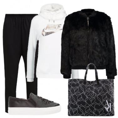 Outfit In felpa e ecopelliccia