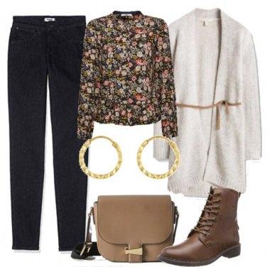 Outfit Fiori e stringhe