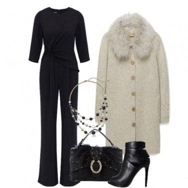 Outfit Cappotto con collo in pelliccia
