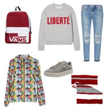 Outfit Cómoda con un tocco di rosso
