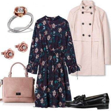 Outfit Di fiori vestita