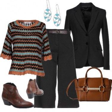 Outfit Il maglioncino con un tocco turchese