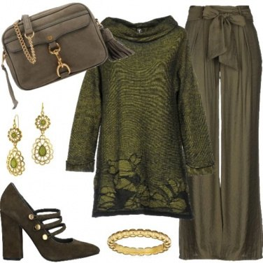 Outfit Total look verde salvia