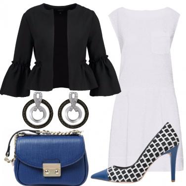 Outfit Chic in bianco nero bluette