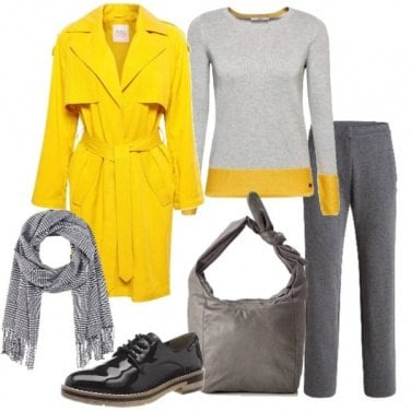 Outfit Trench giallo e stringata in vernice