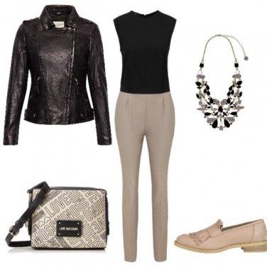 Outfit A lavoro con semplicità