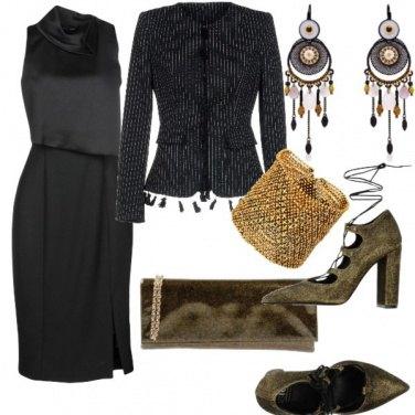 Outfit Nero e accessori etnici