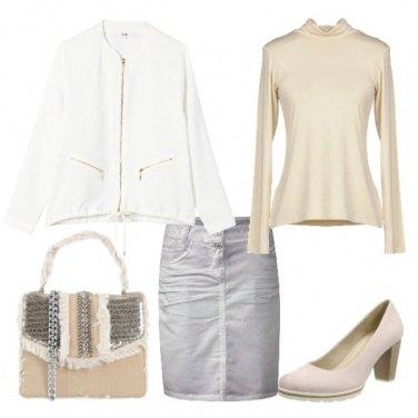 Outfit Bianco, grigio e burro