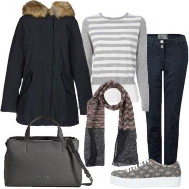 Outfit Il maglione grigio e bianco