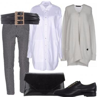 Outfit Camicia bianca e cintura