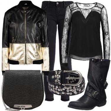 Outfit La cintura borchiata