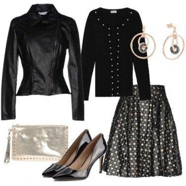 Outfit Nero e tocchi di oro