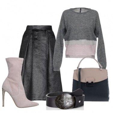 Outfit Rosa pallido su grigio
