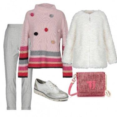 Outfit Il maglione con i pon pon