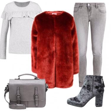 Outfit Grigio e rosso a più non posso