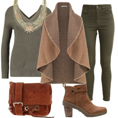 Outfit Abbinamenti di verde e marrone