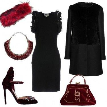 Outfit Scintillante in tubino nero