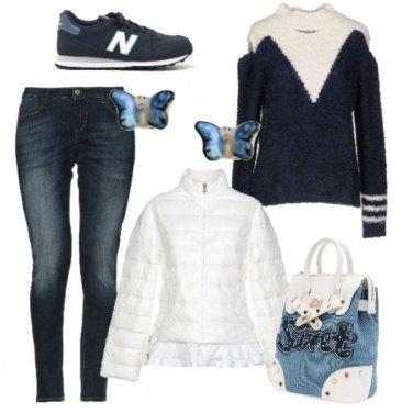 Outfit Passeggiata in bianco e blu
