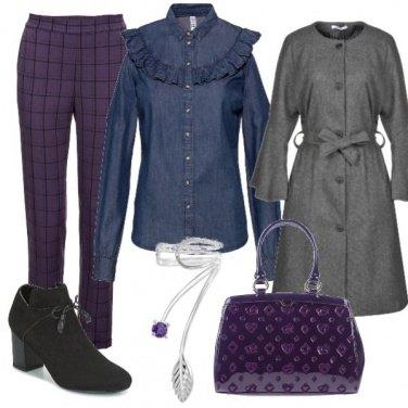 Outfit Pantalone viola e nero