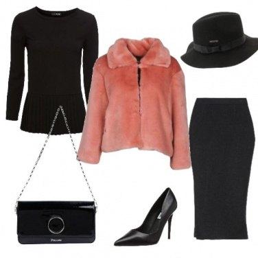 Outfit Pellicciotto rosa