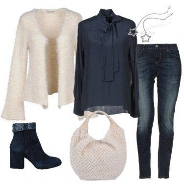Outfit Avorio e blu
