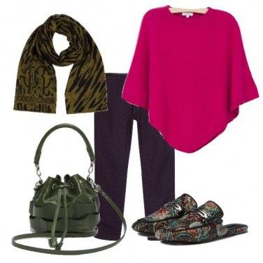 Outfit Poncho rosa e mules