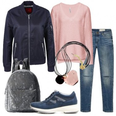 Outfit Pullover rosa e zainetto in velvet