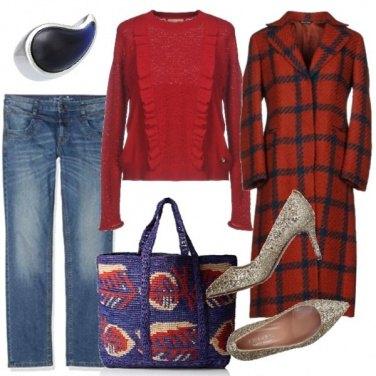 Outfit Cappotto a quadri e borsa etnica