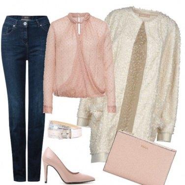 Outfit Rosa antico con il jeans