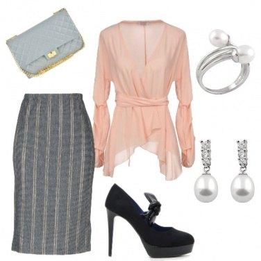 Outfit Bon ton in rosa e grigio