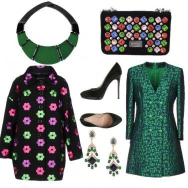 Outfit Su sfondo verde