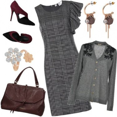 Outfit Al lavoro in grigio e bordeaux