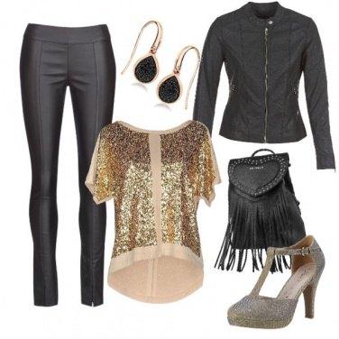 Outfit La blusa in oro